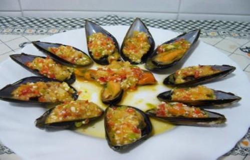 Receta de Mejillones con Jamón, Pimientos y Tomate